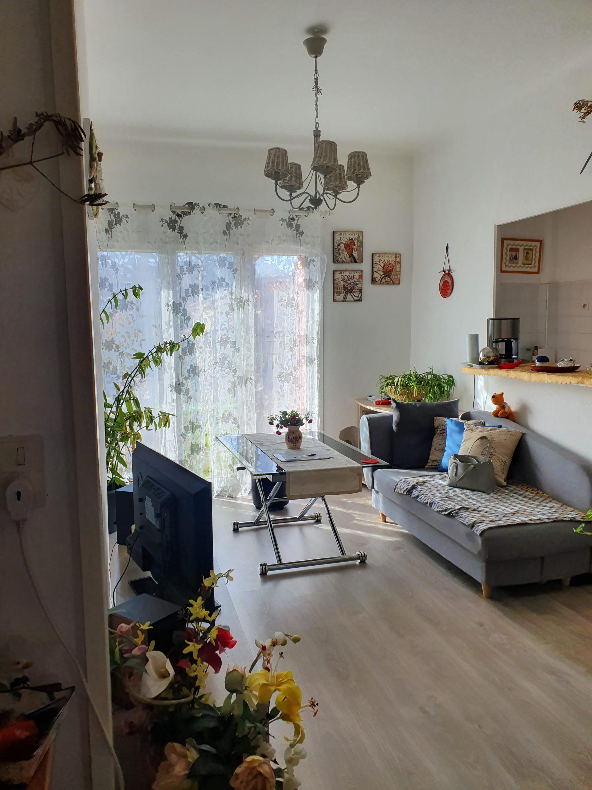 TOULON,le Mourillon,superbe appartement T2 avec balcon au dernier étage.